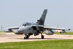 RAF Tornado GR4 (ZD851) - Taxi photo