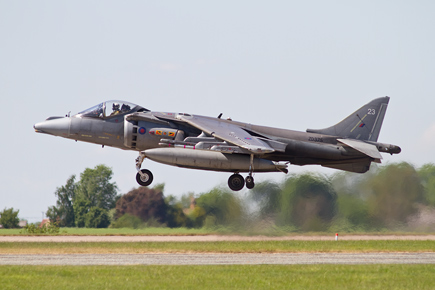 RAF Harrier GR9 ZD375 landing