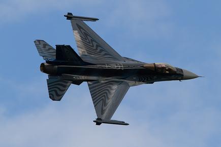 Belgium F-16 Display - Waddington 2010 - photo 01