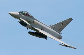 RAF Typhoon FGR4 ZJ923 display photo 04