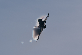 RAF Typhoon FGR4 ZJ923 display photo 06