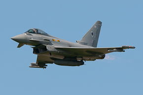 RAF Typhoon FGR4 ZJ923 display photo 09