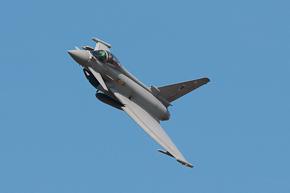 RAF Typhoon FGR4 ZJ923 display photo 10