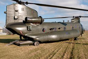 RAF Chinook HC3 ZA909 photo 1