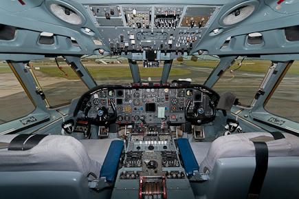 AF VC10 K3 ZA148 Cockpit